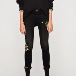 Zara Distressed floral embroidered black jeans